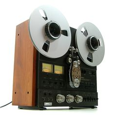 HiFi Collector: Vintage Audio Photos Page Two - www.remix-numerisation.fr - Rendez vos souvenirs durables ! - Sauvegarde - Transfert - Copie - Digitalisation - Restauration de bande magnétique Audio - MiniDisc - Cassette Audio et Cassette VHS - VHSC - SVHSC - Video8 - Hi8 - Digital8 - MiniDv - Laserdisc - Bobine fil d'acier - Micro-cassette - Digitalisation audio