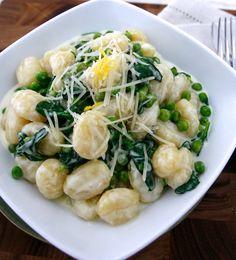 Italian Recipes - How to Make Gnocchi  http://www.foodlve.com/article2.php?url=italian-recipes---how-to-make-gnocchi-224