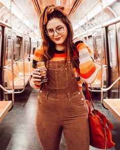 I'm not a morning person (and I'm always late. but working on it lol 🏃🏻♀️ so I always need a little extra caffeine push 😴 Chubby Fashion, Curvy Girl Fashion, Plus Size Fashion, Curvy Girl Outfits, Plus Size Outfits, Fall Outfits, Fashion Outfits, Stylish Outfits, Look Plus Size