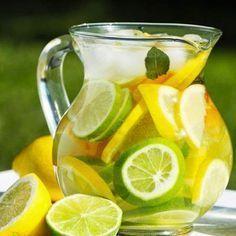 Suco antioxidante de hortelã + laranja + limão ajuda a eliminar gordura em pouco tempo