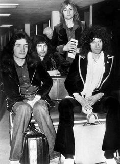 keep making all that noise. Queen Photos, Queen Pictures, Rare Pictures, Random Pictures, Save The Queen, I Am A Queen, Beautiful Lyrics, We Will Rock You, Queen Freddie Mercury