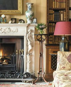 Country Home Decorating – Country Style Home Decor the Way Life Used to Be - Sweet Home And Garden English Country Decor, Country Primitive, French Country, Interior Architecture, Interior Design, Country Style Homes, Classic Interior, Fireplace Design, Beautiful Space