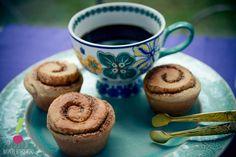 Rollitos de canela con café :) Muffin, Breakfast, Tableware, Food, Gastronomia, Canela, Sweets, Deserts, Wraps