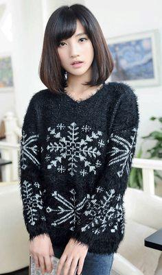 Mohair V neck Christmas snowflake furry sweater black