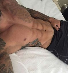 Hot Tattoos, Tattoos For Guys, Cute White Guys, Baby Daddy, Real Man, Fitness Goals, Black Tops, Eye Candy, Abs