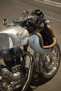 Love this so much I pinned it twice | Royal Enfield Cafe Racer