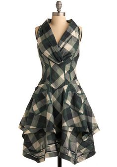 Modern Fairytale Dress, - Gorgeous black, ivory, grey and forest green plaid dress that is reminiscent of Alexander McQueen. Vestidos Vintage Retro, Retro Vintage Dresses, Mode Vintage, Vintage Style, Mod Dress, Dress Up, Moda Steampunk, Look Fashion, Womens Fashion