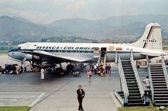 Avianca DC4 Aircraft Propeller, Ww2 Aircraft, Planes, Douglas Dc 4, Mcdonald Douglas, Douglas Aircraft, Air Festival, World Pictures, Rockets