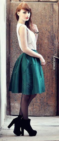 #green a-line midi skirt http://rstyle.me/n/fm9sfr9te