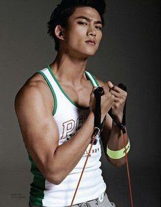 Ok Taecyeon Hot!!!!! Grrr^^