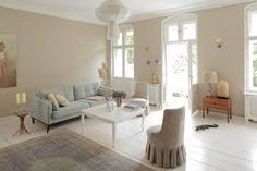 Wohnzimmer : Classic style living room by Carlo Berlin Architektur & Interior Design