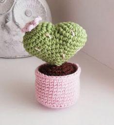 Red Heart Crochet Patterns, Heart Patterns, Amigurumi Doll, Amigurumi Patterns, Amigurumi For Beginners, Crochet Cactus, Amigurumi Tutorial, Chrochet, Free Pattern