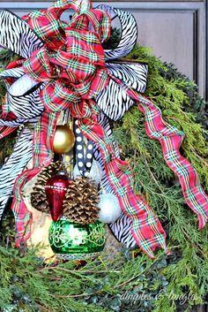 Christmas home tour Tartan Christmas, Christmas Greenery, Christmas Love, Country Christmas, All Things Christmas, Christmas Holidays, Christmas Wreaths, Merry Christmas, Winter Wreaths
