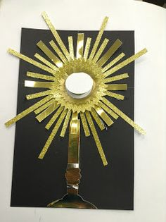 Monstrance craft and lesson. The best part is that the host is a little round card. When you lift the flap you see Jesus inside. From Look to Him and be Radiant: Reviewing the Sacraments- The Eucharist, Part One