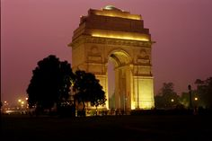 How to experience Delhi right - 8 tips from a foreign woman's perspective. Very good. #india