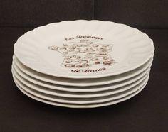 """French Cheese Plate Porcelain by Bavaria """"Les Fromages de France"""" Set of 6. Souvenir Of France, Original Gift 1970s de la boutique LaMachineaBrocantes sur Etsy"""