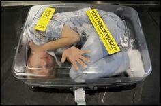 Ukraynalı sevgilisini arabayla kendi ülkesine götürmeye çalışan 46 yaşındaki Alman vatandaşı, Ukrayna'nın Lviv şehrindeki Şegini sınır kapısında sevgilisi ile birlikte yakalandı. 46 yaşındaki A...