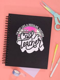 "DIY ""Cool Teacher"" Notebook - get crafting with this free cut file and your Silhouette or Cricut! You can make awesome gifts for the coolest teachers you know. Silhouette Curio, Silhouette Machine, Bee Crafts, Vinyl Crafts, Diy Back To School, School Gifts, School Days, Cricut Tutorials, Used Vinyl"