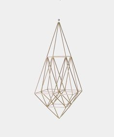 DIY with gold painted straws and elastic cord or string? Geometric Shapes Art, Geometric Sculpture, Geometric Decor, Diy Arts And Crafts, Eclectic Decor, Gold Paint, Valentine Day Gifts, Valentines, Diy Home Decor
