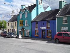 colors  (Village of Sneem) Betty O'Sullivan owned a beauty salon in this town.  One of her clients was the wife of Prime Minister DeGaulle of France.