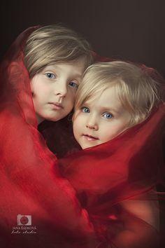 Sisters forever by Jana Šádková on 500px