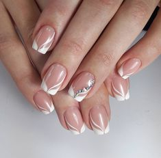 160 stunning minimal french nail art designs that are stylish yet sophisticated – page 18 Nail Tip Designs, Elegant Nail Designs, French Nail Designs, Art Designs, French Manicure Nails, French Tip Nails, Gel Nails, Henna Nails, Nagellack Trends
