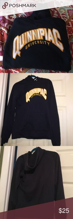 Quinnipiac University Hooded Sweatshirt This women's cut sweatshirt is so comfy perfect for any incoming freshman or Quinnipiac fan! Great for hockey games or the upcoming fall weather. This sweatshirt is a large but fits like a medium because of the slimmer cut. GREAT CONDITION! Worn only a handful of times Champion Sweaters