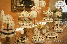 Gold Circus Theme Candy Bar Coltul Dulce / Candy Bar / Dessert Table / Sweet Corner www.coltuldulce.ro