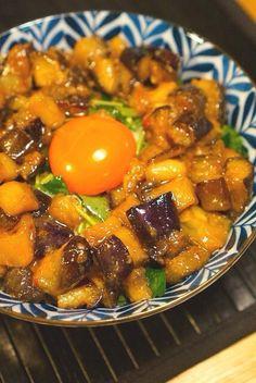 茄子の月見丼レシピ☆味付けは缶詰にお任せ☆|[暮らしニスタ] 暮らしのアイデアがいっぱい♪