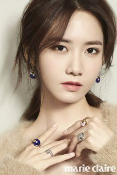 Girls' Generation Yoona was featured in the fashion magazine Marie Claire. Girls' Generation has completed all activities for their official fifth album and Yoona is back with a more mature atmosphere. Im Yoona, Sooyoung, Girls Generation, Marie Claire, Kpop Girl Groups, Korean Girl Groups, Kpop Girls, Red Velvet イェリ, Idole