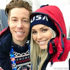 Snowvoarder Shaun White and Alpine Skiier Lindsey Vonn (USA) enjoy Opening Ceremonies. Youth Olympic Games, Winter Olympic Games, Olympic Sports, Olympic Team, Winter Games, Nbc Olympics, Special Olympics, Summer Olympics, Olympic Icons