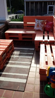 DIY Pallet Patio Furniture Set | 99 Pallets