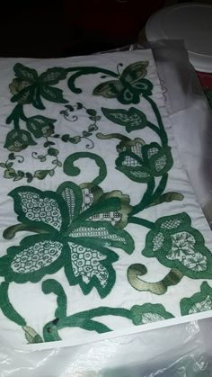 Hardanger Embroidery, Hand Embroidery, Embroidery Designs, Smart Women, Margarita, Projects To Try, Quilts, Folklore, Nightgown