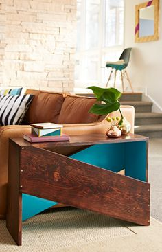 One board plus one day equals one great-looking bench or end table even a novice can build. --Lowe's Creative Ideas