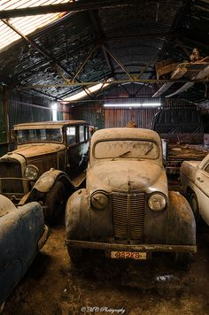 awesome barn find  . . . don't know where, but I wouldn't mind finding something like this!   Dream on, dream on. . . sigh.