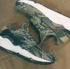 Nike huarache Camo customs