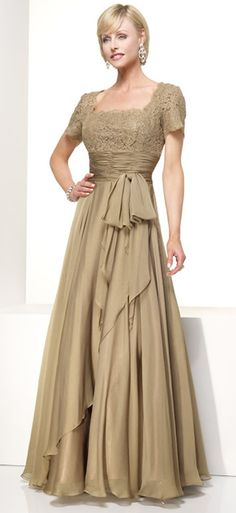 Brown Elegant Half Lace Sequare Neck With Short Sleeves Pleated Waist Mother Of Bride Dress