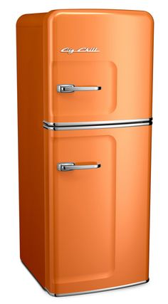 The Slim Fridge is designed for smaller spaces and features our trademark vintage appeal. Customize with over 200 color options on this retro fridge. Retro Refrigerator, Retro Fridge, Top Freezer Refrigerator, French Door Refrigerator, Tiny House Appliances, Retro Appliances, Kitchen Appliances, Kitchens, Big Chill