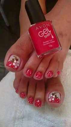30 toe nail designs to keep up with trends 026 Toe Nail Color, Toe Nail Art, Nail Colors, Pretty Toe Nails, Cute Toe Nails, Nice Nails, Toenail Art Designs, French Pedicure Designs, Flower Pedicure Designs