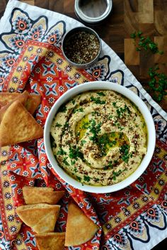 Impress your guests with this Za'atar + Roasted Garlic Hummus at your next party l SimplyScratch.com