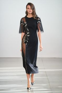 Apr 2020 - The complete Bibhu Mohapatra Spring 2020 Ready-to-Wear fashion show now on Vogue Runway. Fashion 2020, Love Fashion, Runway Fashion, Fashion Design, Fashion Trends, Bibhu Mohapatra, Modelista, Kendall Jenner Style, Fashion Show Collection