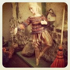 Perfect mini-knitting... and oh, look at those harem pants!  1:12 doll's clothes made by Hanna Meronen and the doll made by Taru Astikainen. #dollhouse #miniature