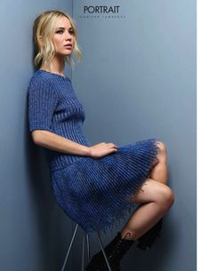 Jennifer Lawrence wear a blue skirt on Elle France December 2015