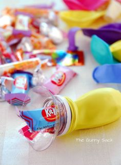 ✶ Party favor : Fill balloons with the help of large plastic bottle top, then blow up and tie