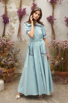 Luisa Beccaria Resort 2019 Fashion Show Collection: See the complete Luisa Beccaria Resort 2019 collection. Look 4 Women's Runway Fashion, Hijab Fashion, Fashion News, Fashion Outfits, Fashion Fashion, Fashion Women, Luisa Beccaria, Casual Day Dresses, Summer Dresses