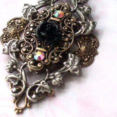 Brass filigree necklace  o Niobe's Quest  o by PeacockTresChic
