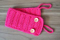 Cachecolzinho de caneca em crochê, na cor rosa, para enfeitar a sua canequinha em casa, no escritório...!! Um charme só!!    Medidas aproxim...
