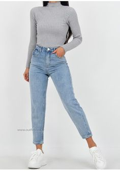 Jean mom fit bleu clair - Source by dmergentaller - Levi Mom Jeans, Blue Mom Jeans, Cute Jeans, Levis Jeans, Boyfriend Jeans, Denim, Cute Casual Outfits, Mom Outfits, Stylish Outfits