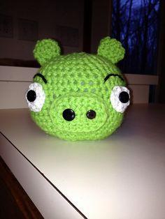 Green Pig | Angry Bird amigurumi free pattern