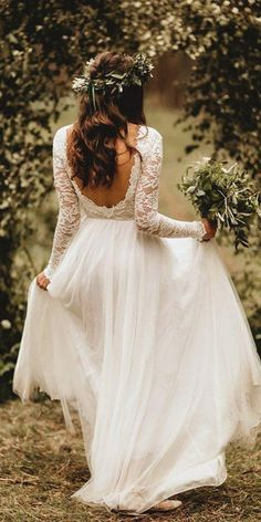 21 Amazing Boho Wedding Dresses With Sleeves - Brautkleid vintage - - Hochzeitskleid Boho Wedding Dress With Sleeves, Top Wedding Dresses, Stunning Wedding Dresses, Lace Dress With Sleeves, Wedding Dress Trends, Bridesmaid Dresses, Maxi Dresses, Wedding Ideas, Wedding Hacks